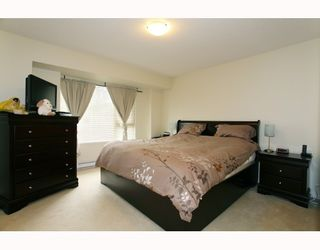 """Photo 5: 10 9229 UNIVERSITY Crescent in Burnaby: Simon Fraser Univer. Townhouse for sale in """"SERENITY"""" (Burnaby North)  : MLS®# V810035"""