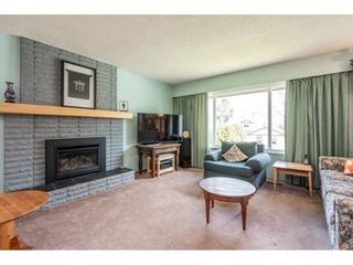 Photo 3: 12287 GREENWELL Street in Maple Ridge: East Central House for sale : MLS®# R2447158
