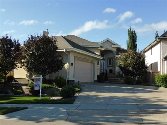 Main Photo: 876 Hollands Landing: House for sale