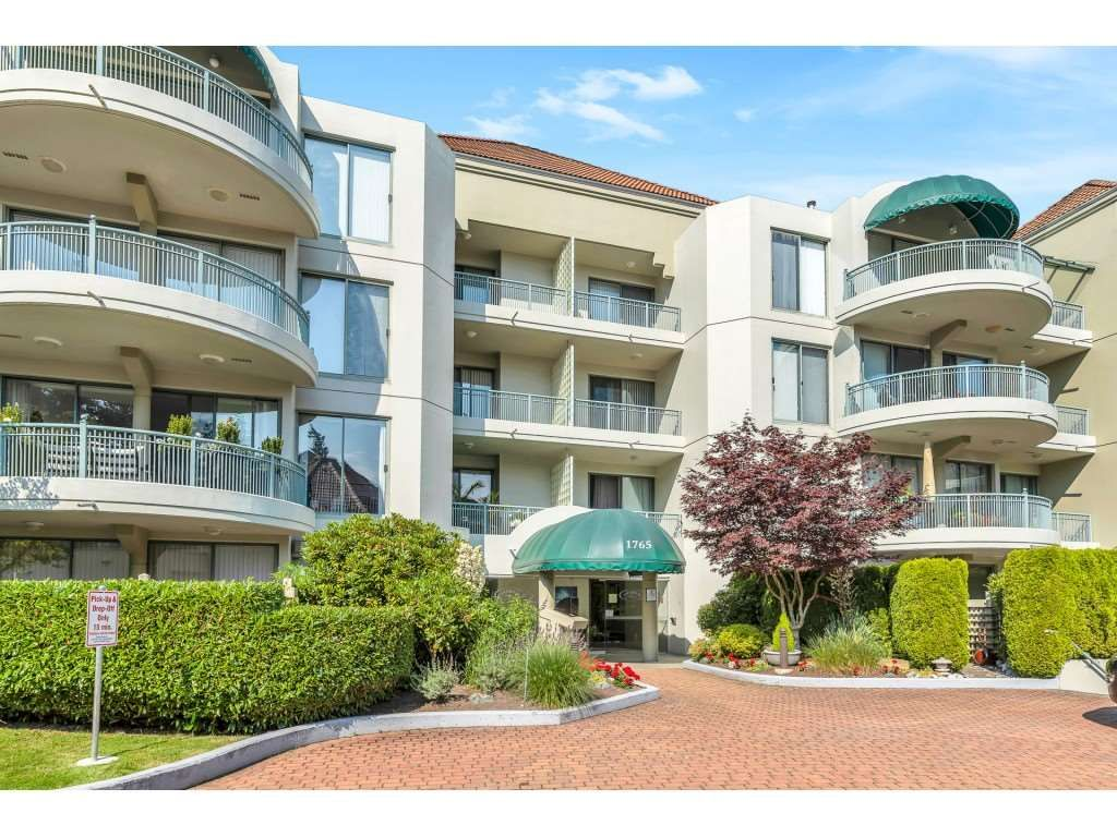 "Main Photo: 204 1765 MARTIN Drive in Surrey: Sunnyside Park Surrey Condo for sale in ""SOUTHWYND"" (South Surrey White Rock)  : MLS®# R2480960"