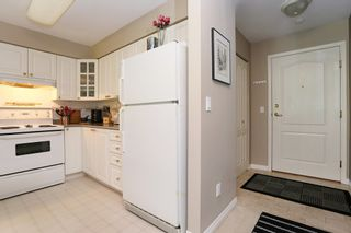 Photo 7: 208 20268 54 AVENUE in Langley: Langley City Condo for sale : MLS®# R2109826