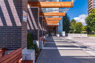 """Photo 8: 3906 5883 BARKER Avenue in Burnaby: Metrotown Condo for sale in """"ALDYNE ON THE PARK"""" (Burnaby South)  : MLS®# R2579935"""