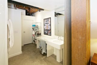 """Photo 18: 216 55 E CORDOVA Street in Vancouver: Downtown VE Condo for sale in """"KORET LOFTS-LIVE/WORK"""" (Vancouver East)  : MLS®# R2032716"""