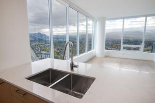 Photo 8: #3102 1191 Sunset Drive, in Kelowna: Condo for sale : MLS®# 10241085