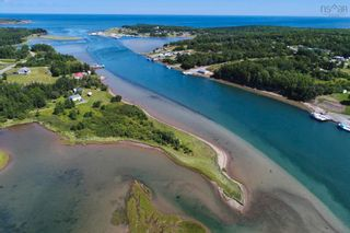Photo 2: 696 Point Aconi Road in Point Aconi: 207-C. B. County Residential for sale (Cape Breton)  : MLS®# 202120612
