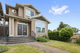 Photo 1: 5555 ROYAL OAK Avenue in Burnaby: Forest Glen BS 1/2 Duplex for sale (Burnaby South)  : MLS®# R2411910