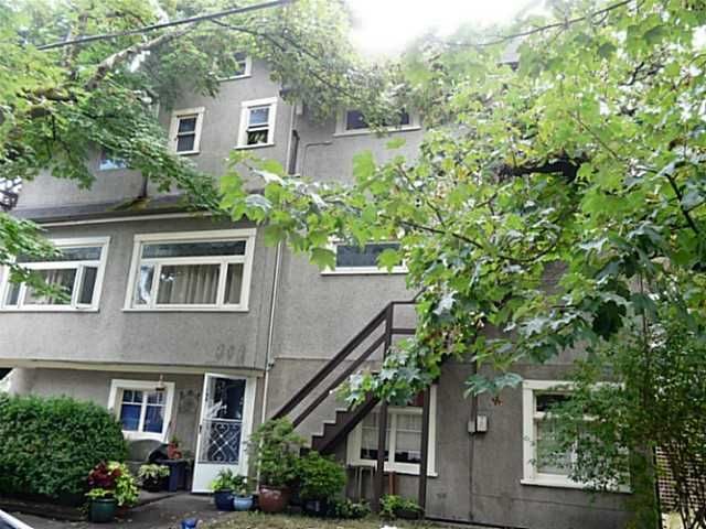 Photo 2: Photos: 2204 MACDONALD Street in Vancouver: Kitsilano House for sale (Vancouver West)  : MLS®# V1134340