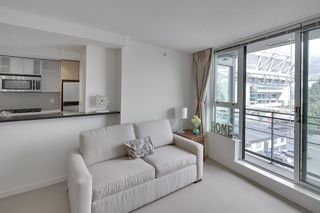 Photo 15: 702 33 SMITHE STREET in Vancouver: Yaletown Condo for sale (Vancouver West)  : MLS®# R2103455