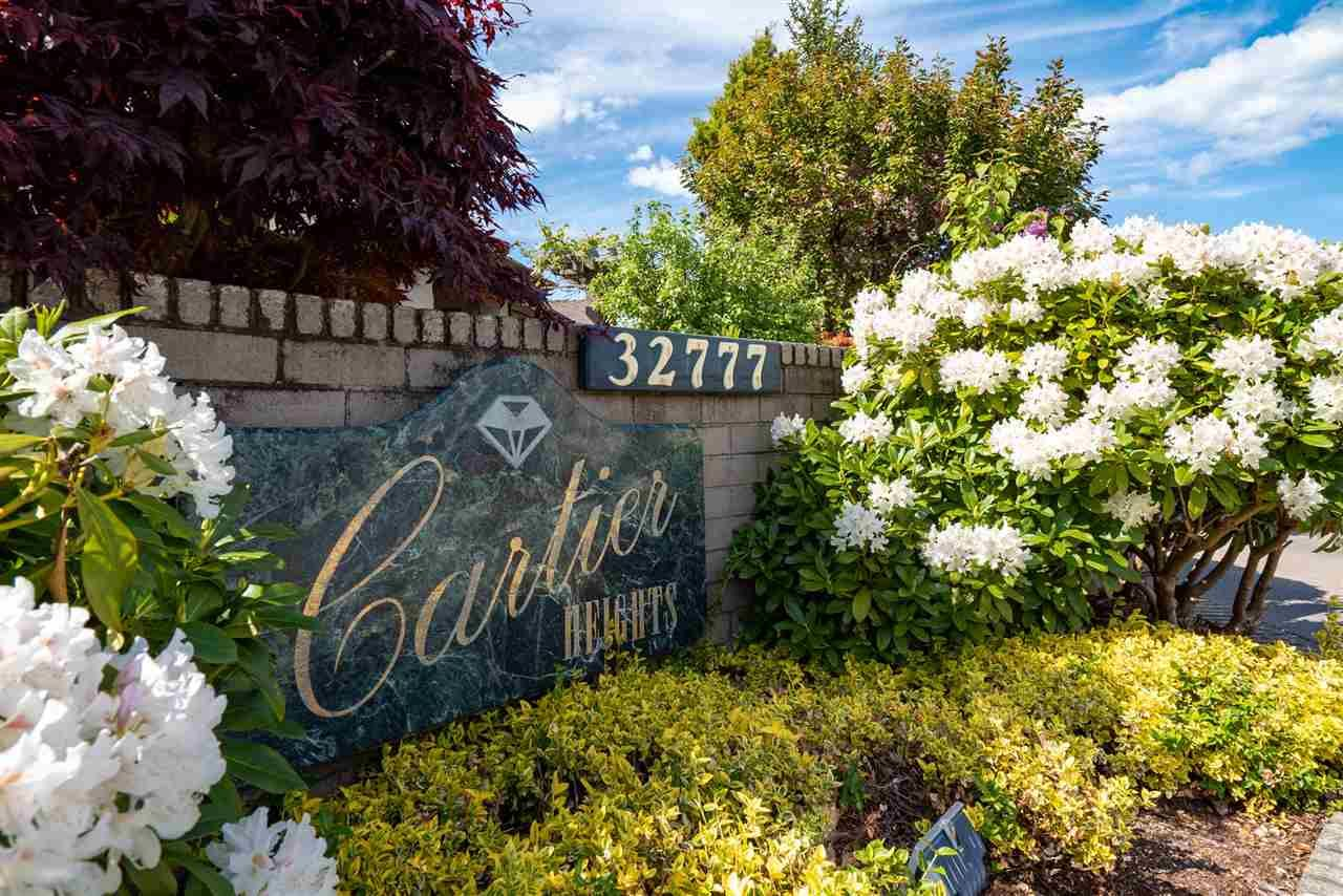 """Photo 3: Photos: 13 32777 CHILCOTIN Road in Abbotsford: Central Abbotsford Townhouse for sale in """"Cartier Heights"""" : MLS®# R2454718"""