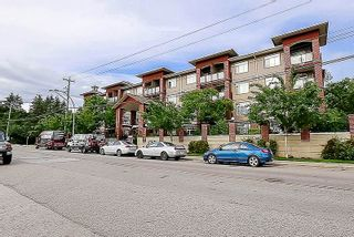 """Photo 2: 118 5516 198 Street in Langley: Langley City Condo for sale in """"Madison Villas"""" : MLS®# R2077927"""