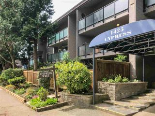 """Main Photo: 312 1425 CYPRESS Street in Vancouver: Kitsilano Condo for sale in """"CYPRESS WEST"""" (Vancouver West)  : MLS®# R2576958"""