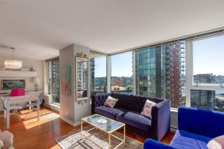 """Photo 6: 1805 33 SMITHE Street in Vancouver: Yaletown Condo for sale in """"COOPERS LOOKOUT"""" (Vancouver West)  : MLS®# R2205849"""