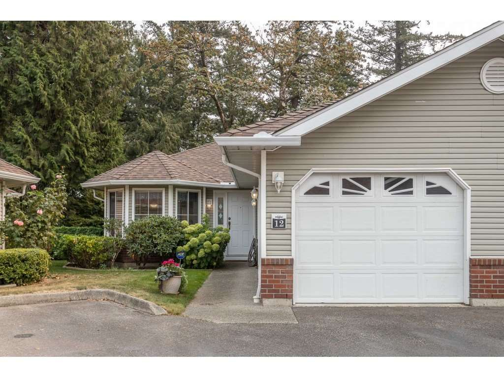 """Main Photo: 12 1973 WINFIELD Drive in Abbotsford: Abbotsford East Townhouse for sale in """"BELMONT RIDGE"""" : MLS®# R2498616"""
