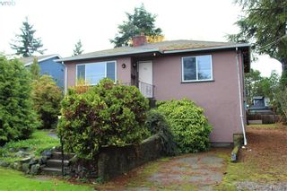 Photo 3: 221 Homer Rd in VICTORIA: SW Tillicum House for sale (Saanich West)  : MLS®# 829260