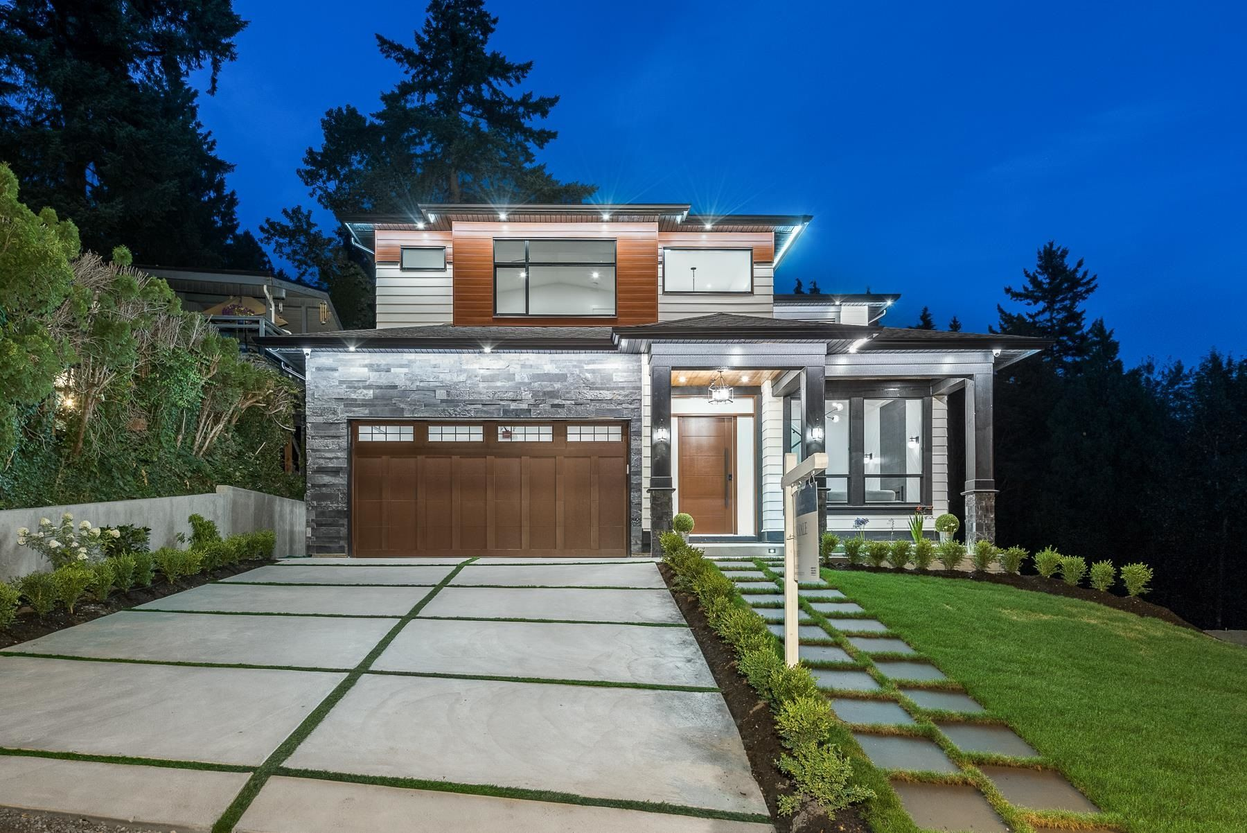 Main Photo: 305 CUTLER Street in Coquitlam: Central Coquitlam House for sale : MLS®# R2609971