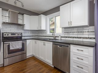 Photo 7: 20 Beacham Rise NW in Calgary: Beddington Heights Detached for sale : MLS®# A1113792