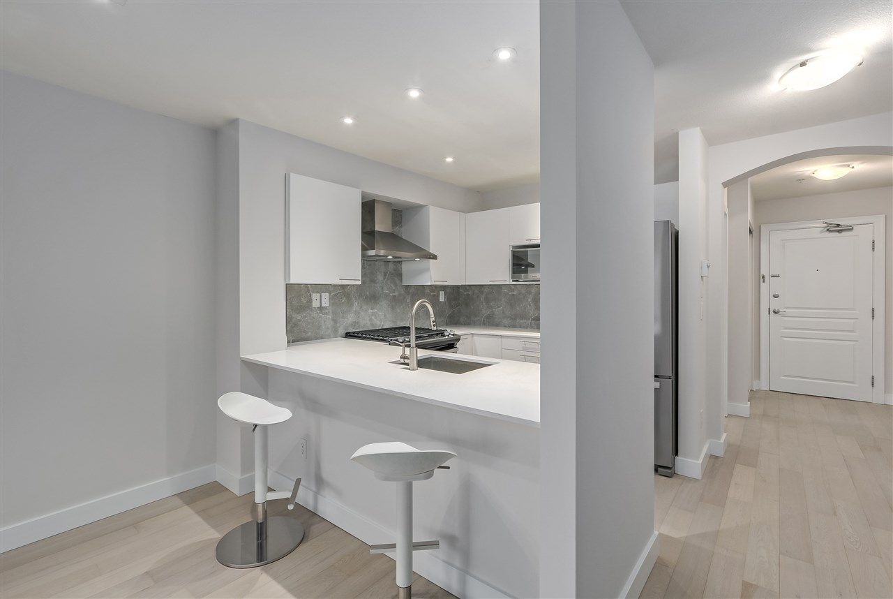 """Main Photo: 310 5723 COLLINGWOOD Street in Vancouver: Southlands Condo for sale in """"CHELSEA"""" (Vancouver West)  : MLS®# R2239763"""