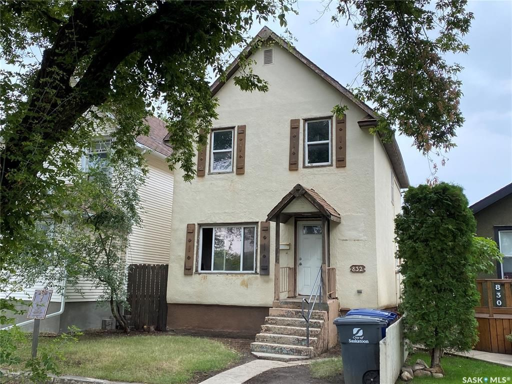 Main Photo: 832 G Avenue North in Saskatoon: Caswell Hill Residential for sale : MLS®# SK868518