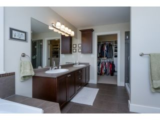 """Photo 15: 5915 164TH Street in Surrey: Cloverdale BC House for sale in """"WEST CLOVERDALE"""" (Cloverdale)  : MLS®# F1439520"""