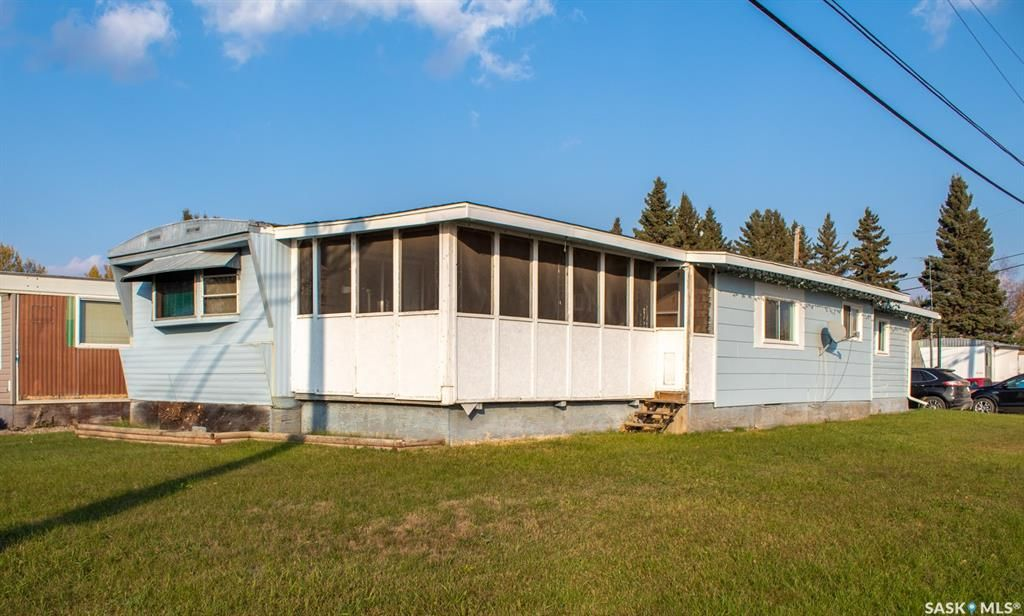 Main Photo: 218 5th Avenue South in Melfort: Residential for sale : MLS®# SK873867