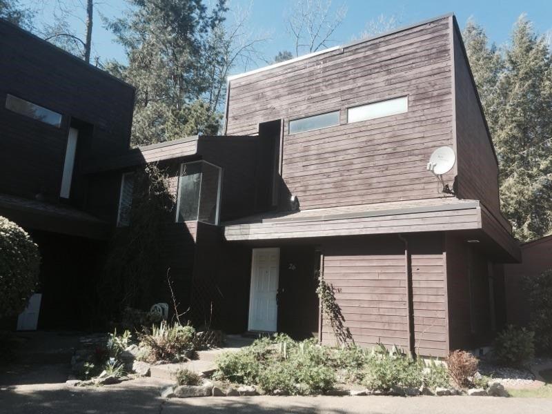 "Main Photo: 26 19696 HAMMOND Road in Pitt Meadows: South Meadows Townhouse for sale in ""CEDAR HOLLOWS"" : MLS®# R2054948"