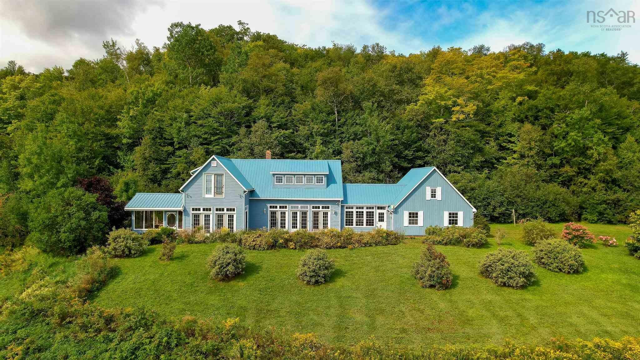 Main Photo: 380 Stewart Mountain Road in Blomidon: 404-Kings County Residential for sale (Annapolis Valley)  : MLS®# 202123106