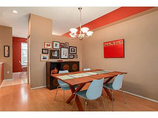 "Photo 3: 10 3711 ROBSON CRT Court in Richmond: Terra Nova Townhouse for sale in ""TENNYSON GARDENS"" : MLS®# V1098875"