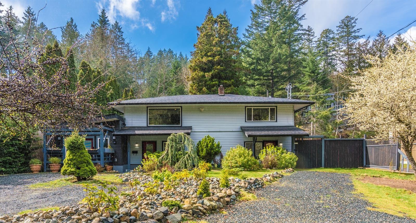 Main Photo: 3229 HAMMOND BAY Rd in : Na North Nanaimo House for sale (Nanaimo)  : MLS®# 864400