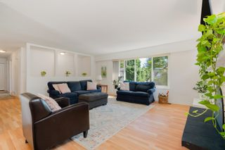 Photo 2: 11673 MORRIS Street in Maple Ridge: West Central House for sale : MLS®# R2617473
