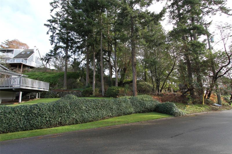 FEATURED LISTING: 299 Gull Rd