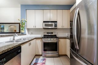 """Photo 13: 54 6878 SOUTHPOINT Drive in Burnaby: South Slope Townhouse for sale in """"CORTINA"""" (Burnaby South)  : MLS®# R2615060"""