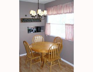 "Photo 8: 1366 GENEVIEVE in Prince_George: Lakewood House for sale in ""HERITAGE"" (PG City West (Zone 71))  : MLS®# N194698"