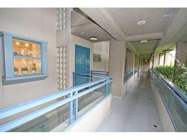 """Main Photo: 509 555 ABBOTT Street in Vancouver: Downtown VW Condo for sale in """"PARIS PLACE"""" (Vancouver West)  : MLS®# V945826"""
