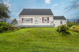 Photo 1: 497 East Chezzetcook Road in East Chezzetcook: 31-Lawrencetown, Lake Echo, Porters Lake Residential for sale (Halifax-Dartmouth)  : MLS®# 202123558