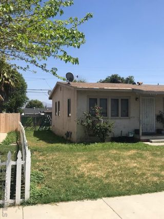 Photo 3: EL CAJON House for sale : 3 bedrooms : 717 Hillsview Rd