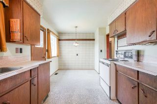 Photo 5: 8413 DELAWARE Road in Richmond: Woodwards House for sale : MLS®# R2372031