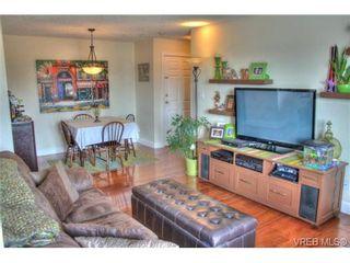 Photo 9: 402 1025 Hillside Ave in VICTORIA: Vi Hillside Condo for sale (Victoria)  : MLS®# 698158