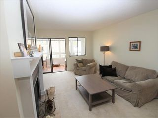 Photo 3: 309 1155 Ross Road in North Vancouver: Lynn Valley Condo for sale : MLS®# R2255589