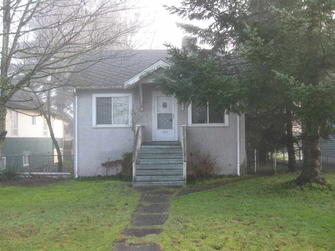 Main Photo: 821 SIXTH Street in New Westminster: GlenBrooke North House for sale : MLS®# R2035692