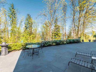 Photo 8: 5521 BESSBOROUGH Drive in Burnaby: Capitol Hill BN House for sale (Burnaby North)  : MLS®# R2574104
