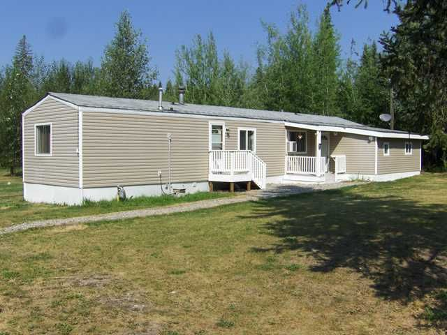 """Main Photo: 3272 HAYMAN Crescent in Quesnel: Quesnel Rural - South Manufactured Home for sale in """"YENDRES SUBDIVISION"""" (Quesnel (Zone 28))  : MLS®# N211126"""