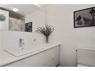 """Photo 9: # 203 1640 W 11TH AV in Vancouver: Fairview VW Condo for sale in """"HERITAGE HOUSE"""" (Vancouver West)  : MLS®# V908583"""