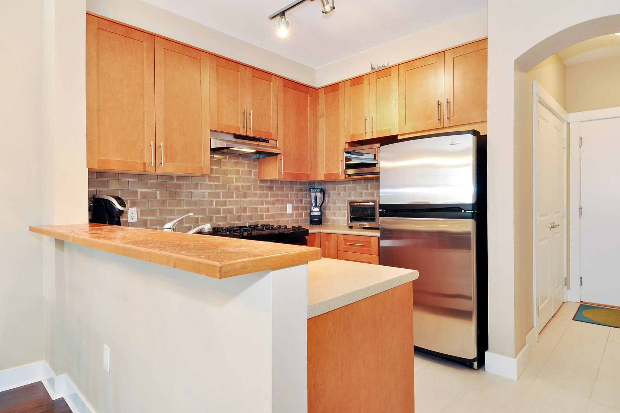 """Photo 6: Photos: 222 2083 W 33RD Avenue in Vancouver: Quilchena Condo for sale in """"DEVONSHIRE HOUSE"""" (Vancouver West)  : MLS®# R2341234"""