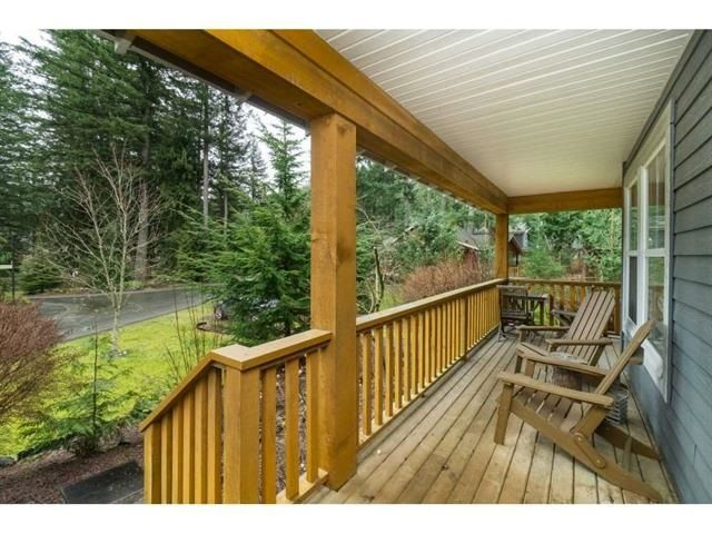 """Photo 2: Photos: 1767 TREE HOUSE Trail: Lindell Beach House for sale in """"Cottages at Cultus Lake"""" (Cultus Lake)  : MLS®# R2560433"""