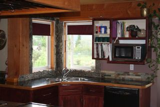 Photo 3: 3175 Bartlett Road in Naramata: Residential Detached for sale : MLS®# 143288