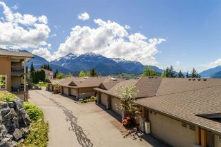 "Photo 4: 11 1024 GLACIER VIEW Drive in Squamish: Garibaldi Highlands Townhouse for sale in ""SEASONSVIEW"" : MLS®# R2574821"