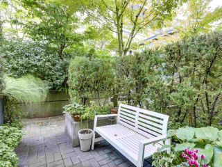 """Photo 15: 2774 ALMA Street in Vancouver: Kitsilano Townhouse for sale in """"Twenty On The Park"""" (Vancouver West)  : MLS®# R2501470"""