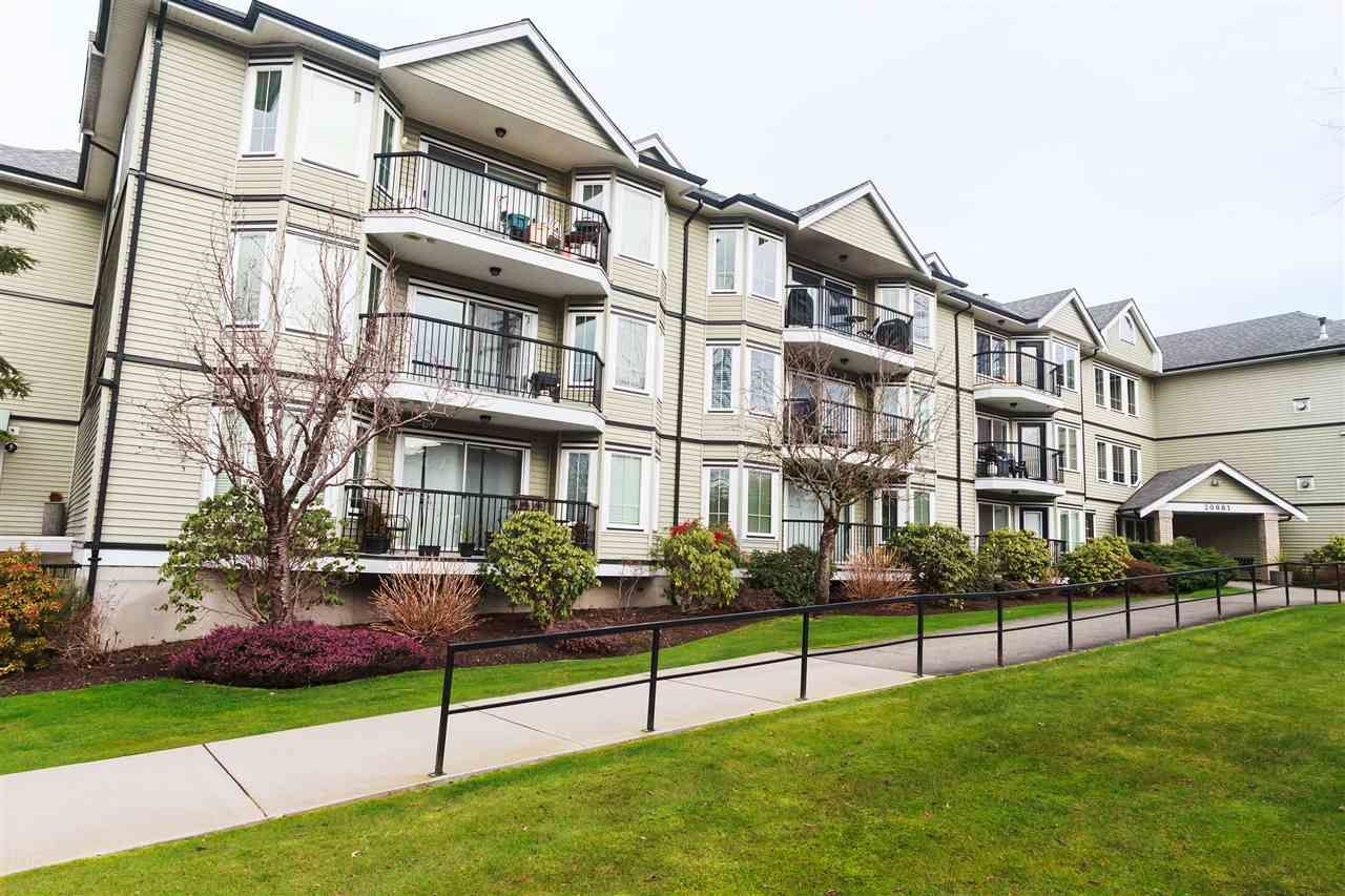 Main Photo: 302 20881 56 AVENUE in : Langley City Condo for sale : MLS®# R2235464