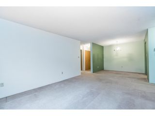 """Photo 11: 105 10644 151A Street in Surrey: Guildford Condo for sale in """"LINCOLN'S HILL"""" (North Surrey)  : MLS®# R2431314"""