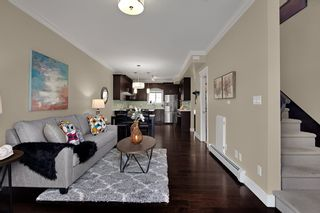 """Photo 2: 204 3488 SEFTON Street in Port Coquitlam: Glenwood PQ Townhouse for sale in """"Sefton Springs"""" : MLS®# R2527874"""